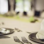 食卓用ナイフの刃先が丸い理由、意外と知られていない雑学。