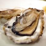 牡蠣にあたるとひどい症状が出る原因について解説。