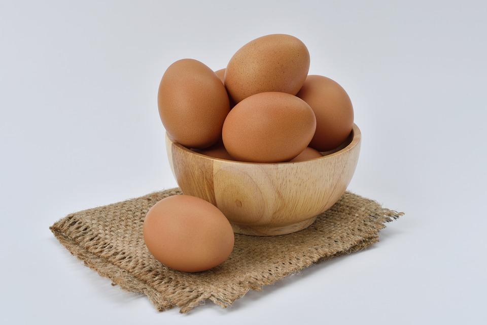 卵はコレステロールを下げることができる食べ物。
