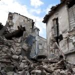 役立つ地震対策や知識11選、災害時に生存率を上げる方法とは