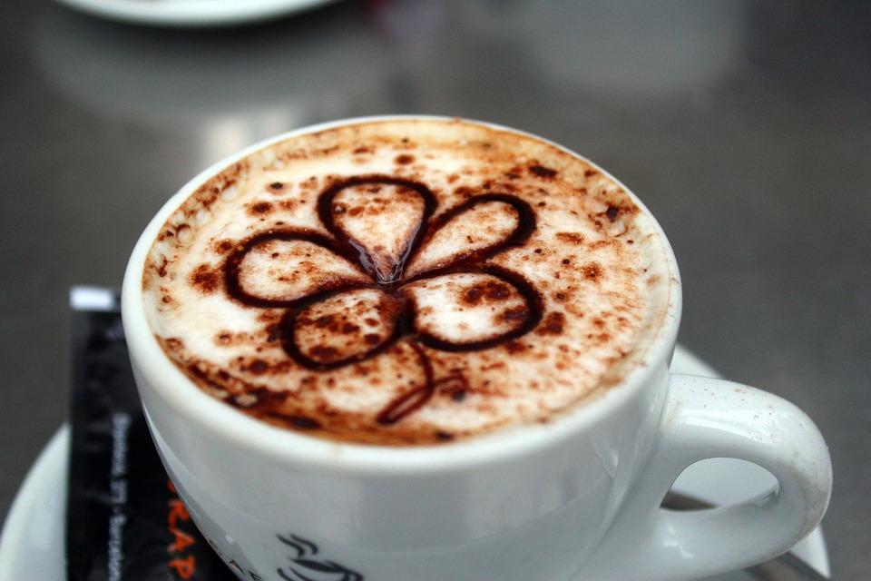 カフェオレとカフェラテとカフェモカとカプチーノの違いとは?