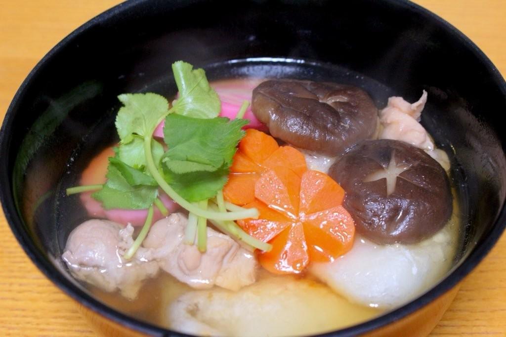 お雑煮って関東と関西ではこんなに違うの?!