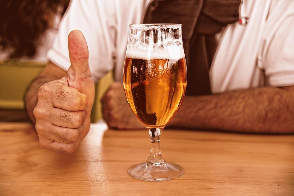 「ビールは太る」は嘘!?ビールを飲むと太る原因とは!?