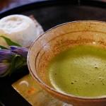 お茶を濁すの意味・由来や語源・使い方をわかりやすく解説!