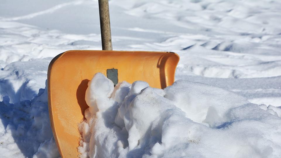 雪かき雪を捨ててはダメな場所