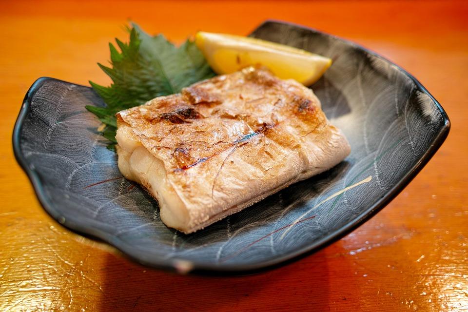 焼き魚敷く葉意味見た目