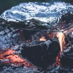 アルミホイルの裏表の違いとは?料理の時の使い分けを解説。