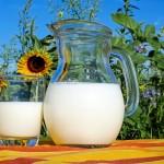 牛乳を温めると出来る膜は何の成分で出来ているのか。