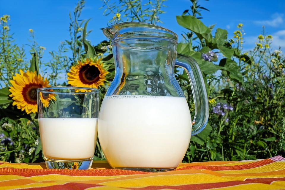 牛乳温める膜成分