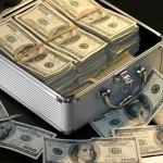 お金を無心するという言葉の意味とは?語源や由来、使い方について解説。