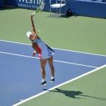 テニスの一球目を「サーブ」「サービス」と呼ぶ語源・由来とは?