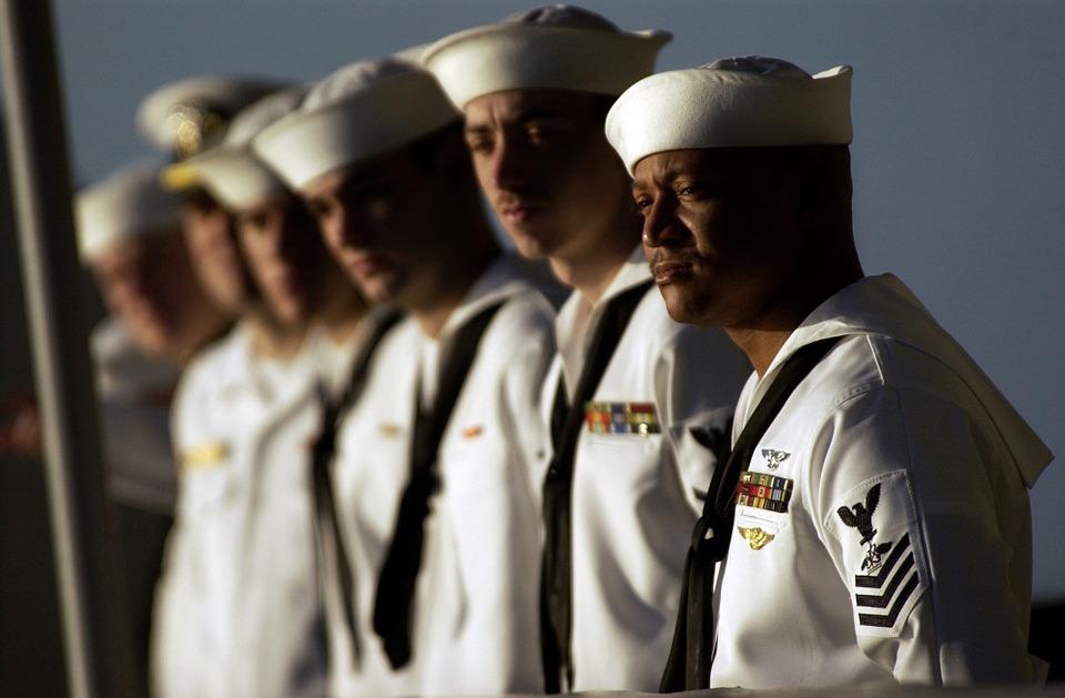 セーラー服の由来、軍服が女学生の制服に採用された理由とは?