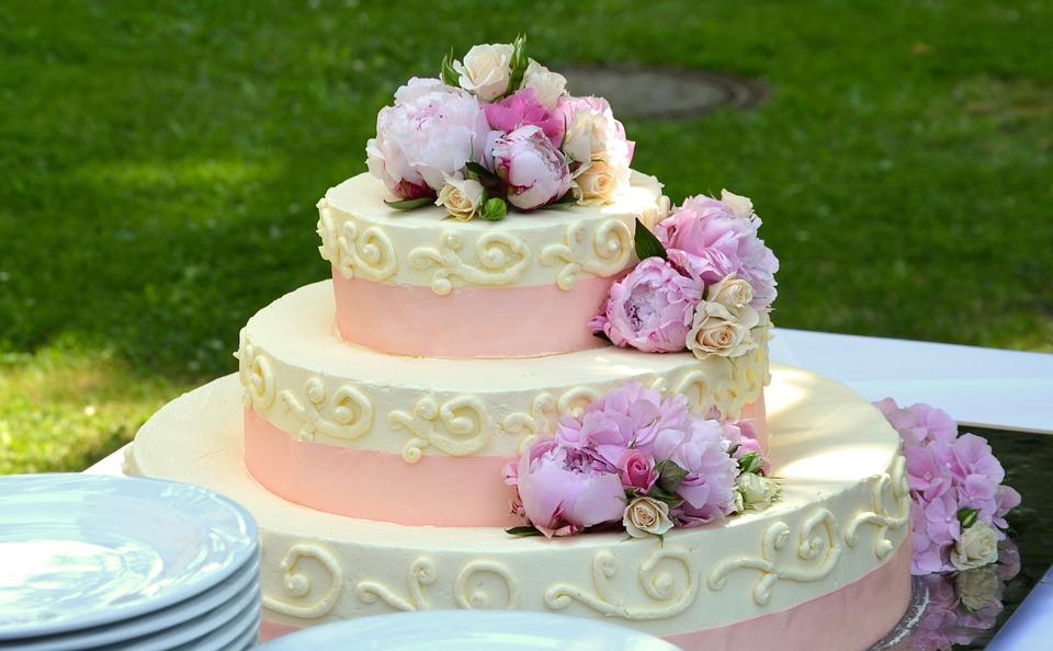 ウェディングケーキ意味由来