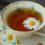 ソーサーの意味や使い方、ティーカップに皿がついている理由とは?
